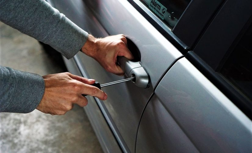Thieves Eyeing Parked Cars in Upper Mt Gravatt Area